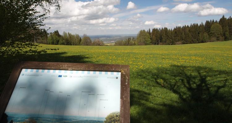 Panorama z vyhlídky u Žlíbku