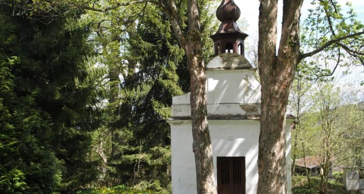 Kaplička ve Žlíbku