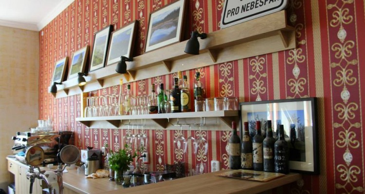 dovolena-s-detmi-kavarna-bar