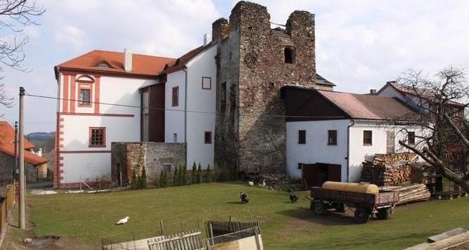 obec Dobrš