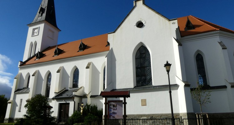 vacov_kostel