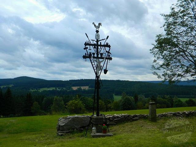 Kohoutí kříž nad Nicovem