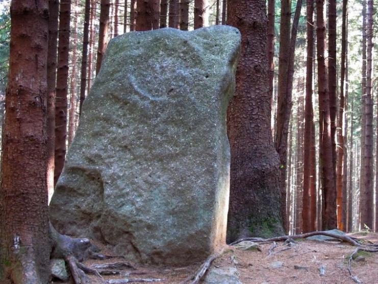 Menhir Měsíční kámen